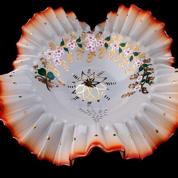 High Quaility 1800s, Early 1900s Cased Glass Bridal Bowl  - Art Glass