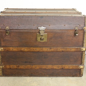 French Trunk? - Furniture