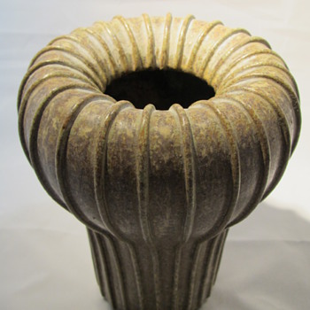 Arne Bang vase signed AB and number 139 - Pottery