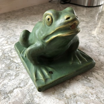 Green Glazed Frog Fountain? - Animals