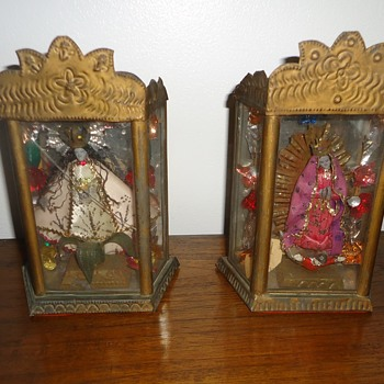 Religious small cabinet with Saints - Folk Art