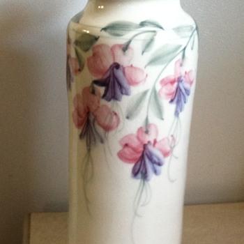 Asian vase ??? - Asian