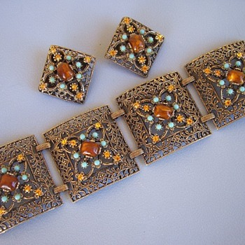 Bracelet & Earrings Rhinestones and Beads Filigree Metal - Costume Jewelry