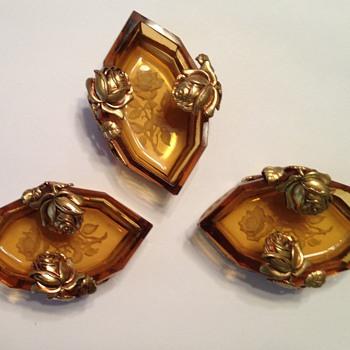 A trio of salts, intaglio czech - Glassware