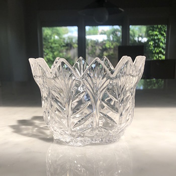 HELP - Trying to identify Crystal Bowls - Glassware