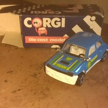 Corgi 1985 Made in Swansea, Wales UK Renault 5 boxed and unplayed with. - Model Cars