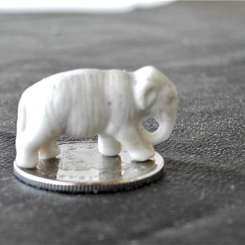Miniature porcelain Elephant c 1900 - Animals