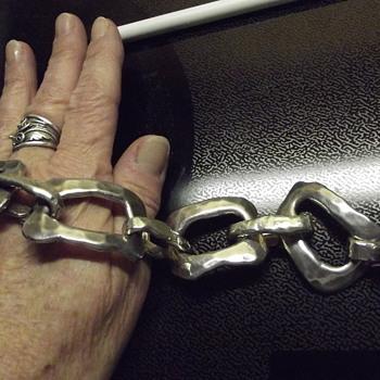 mystery carnegie silver hammered link bracelet - Costume Jewelry