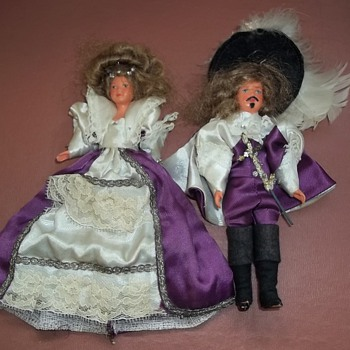 Anyone know anything about these two? - Dolls