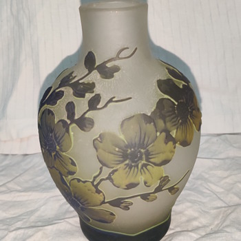 French glass vase - Art Glass