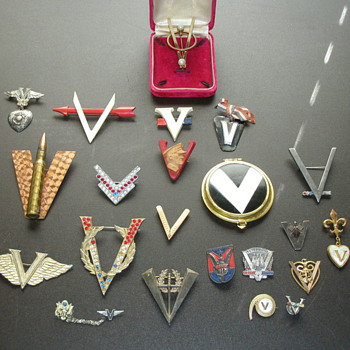 WW 2 V for Victory Sweetheart Jewelry - Costume Jewelry
