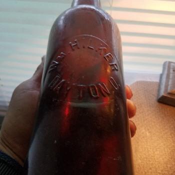 Extra Rare Dayton Ohio Blob Beer Wm Hilker Dayton Ohio - Bottles