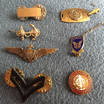 Help identifying these military pins - Medals Pins and Badges