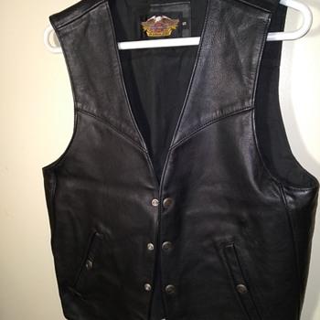 HARLEY-DAVIDSON black leather motorcycle vest - Mens Clothing