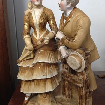 Figurine man and lady vase - Figurines