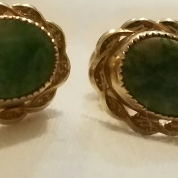 Vintage green and gold earrings - Costume Jewelry