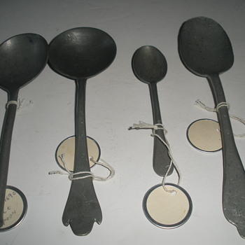 Four early pewter spoons - Kitchen