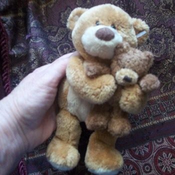 SWEET GUND BEAR COUPLE  BIG BRO HUGS HIS LITTLE BRO, STOCKING SUFFER FOR HOLIDAYS - Dolls