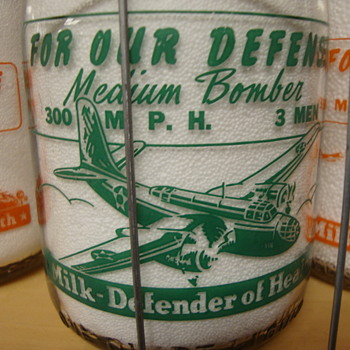 "GRAF'S DAIRY..""MEDIUM BOMBER"" WAR SLOGAN MILK BOTTLE - Bottles"