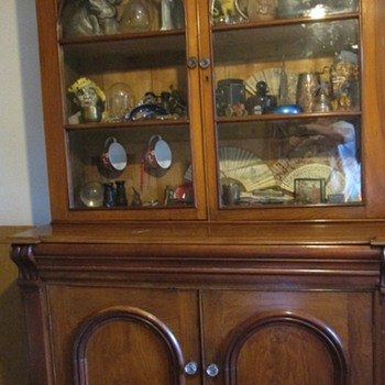 Antique dresser/glazed cupboard - Furniture