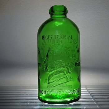 1976 Anchor Hocking Thomas Jefferson Bicentennial Bottle Green Glass Lancaster Fairfield County Ohio Blob Top Vintage - Bottles