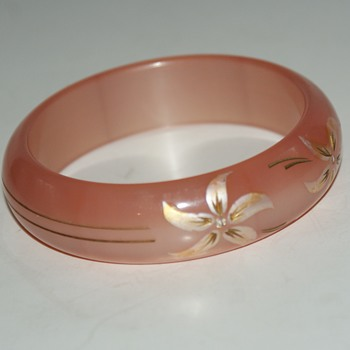 Vintage Plastic Bangle - Costume Jewelry
