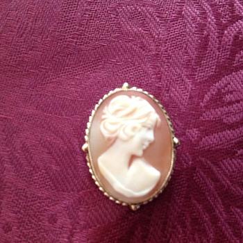 Cameo brooch or necklace
