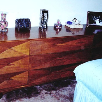 Danish Modern Mid Century Solid Black Walnut 4-pc. Bedroom Set Needs Identifying and Valuing - Furniture