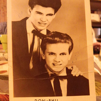Everly Brothers 1956 extremely rare post card, signed. - Music Memorabilia