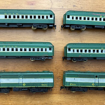 """1955 HObbyline set #541 the ERIE """"Lake Cities Express"""" - Model Trains"""