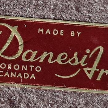DANESI WARE MADE IN CANADA - Figurines
