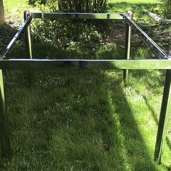 Mid Century Modern chrome table. - Furniture