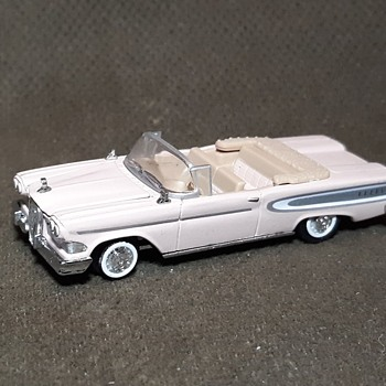 Racing Champions 1958 Ford Edsel 1/65 Scale - Model Cars