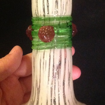 White spatter vase with green thread and rasberries - Art Glass