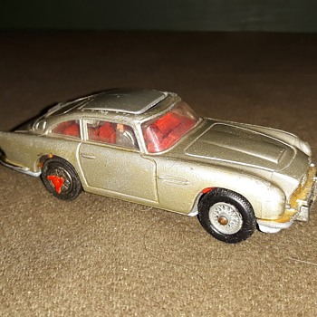 Corgi James Bond 007 Goldfinger Aston Martin 1965 - Model Cars