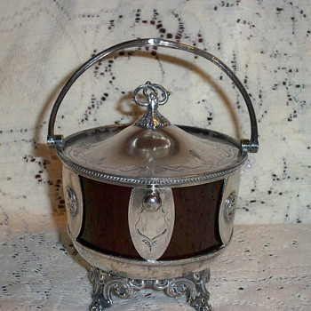 Victorian sugar bowl or sweet meat bowl - Silver