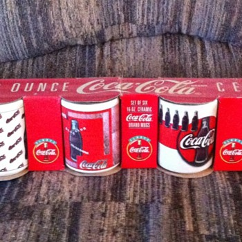 6 Coca-cola coffee mugs 1972 ~ never taken out of original box - Coca-Cola