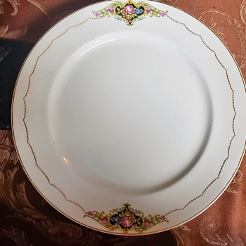 Auction find - China and Dinnerware
