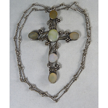 Large Arts & Crafts Cross, possibly by Mary Thew - Fine Jewelry