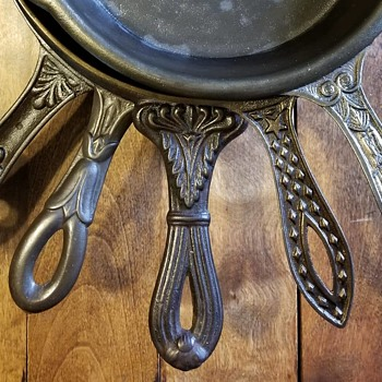 Spiders (Fry Pan or Skillet) of the 1800s! - Kitchen