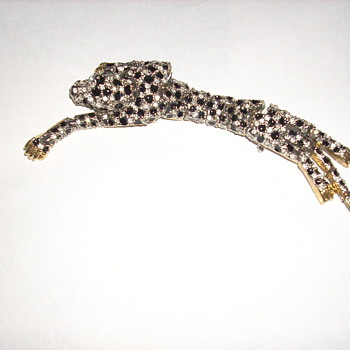 Jointed leopard pin, a fun pin to wear - Costume Jewelry