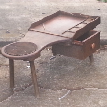 vintage smokers end table?