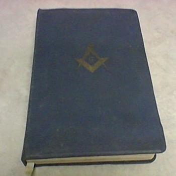 MASONIC BIBLE 1968 - Books