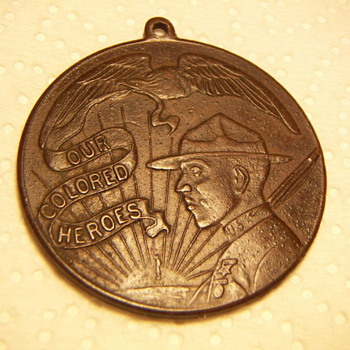 "WWI  Medal ""Our Colored Heros"" - Military and Wartime"