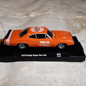 M2 Machines 1/64 Scale 1970 Dodge Super Bee 383 - Model Cars
