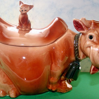 1950's Brush Pottery W10 Cow With Cat Finial Cookie Jar