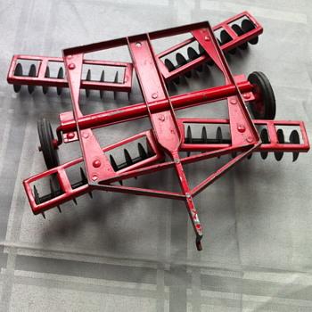Red Massy-Ferguson toys. - Toys