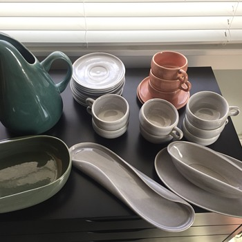 Russel Wright Vintage Collectible table ware and serving pieces  - Pottery
