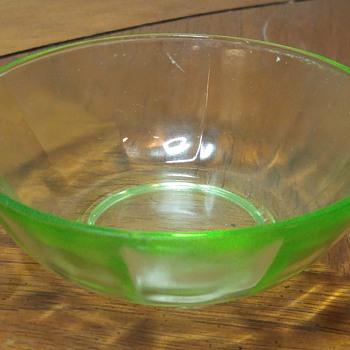 Small Uranium Glass Bowl - Glassware