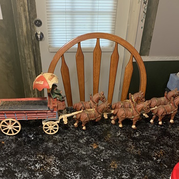 Cast iron horse and carriages - Model Cars